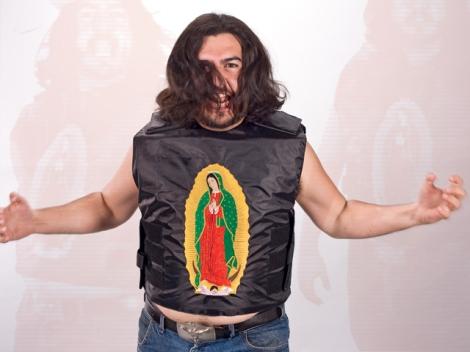 Colete à prova de balas criado por Miguel Melgarejo.